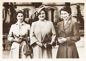 Artwork by James Reid, Informal Snapshots of The Royal Family (8)